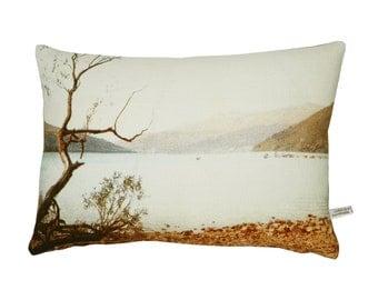 Cushion, handmade in linen, Blue lake English romantic design