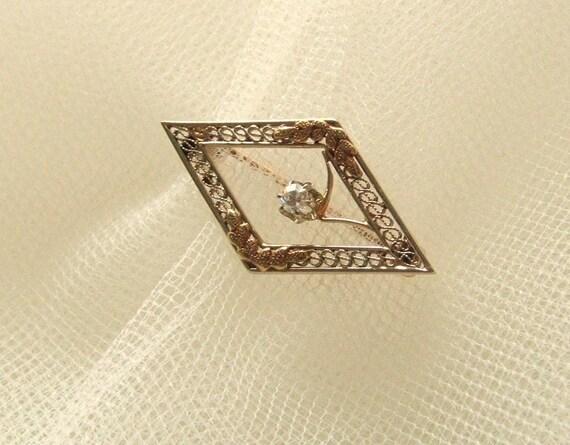 Estate Jewelry Pin 10K Yellow Gold Filigree & Diamond