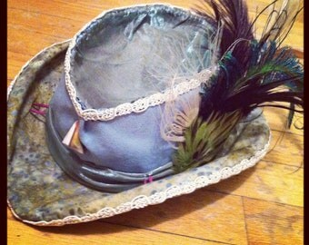 Riders hat with feathers