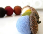 Needle Felted 8 Natural Acorns with Autumn Shades  felted wool - Home Decoration - Waldorf
