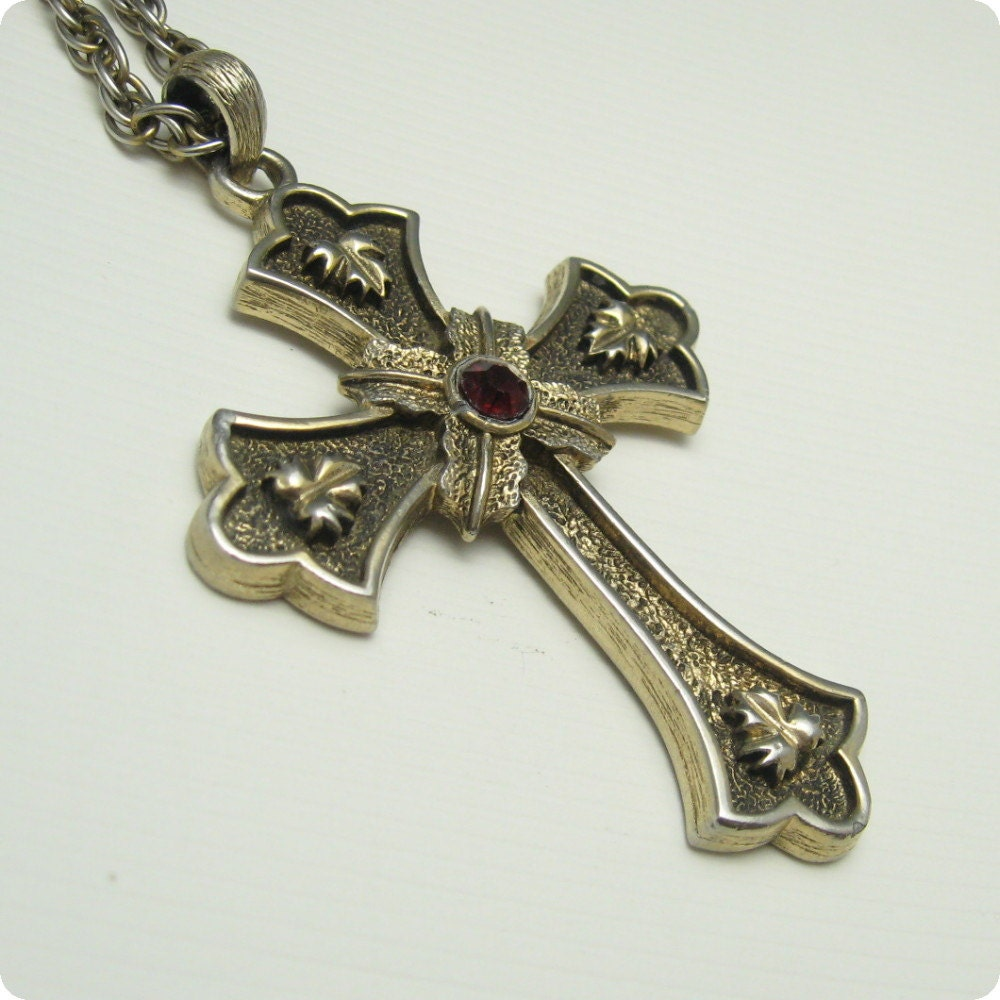 large vintage cross pendant necklace coventry n4761
