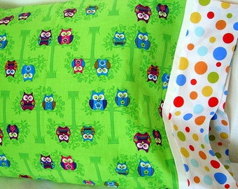 FUN, HAPPY OWLS on lime green background fabric Pillowcase