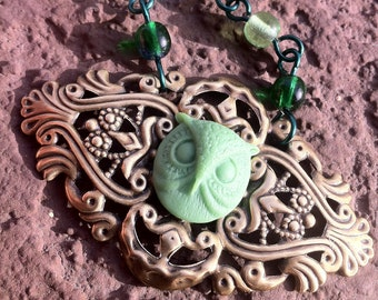 """19"""" Antique Brass Owl Necklace in Green"""