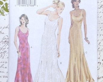 SALE Vogue Patterns V7824 Dress Sewing Pattern Misses Petite Size 18 - 20 - 22 UNCUT Summer Dress