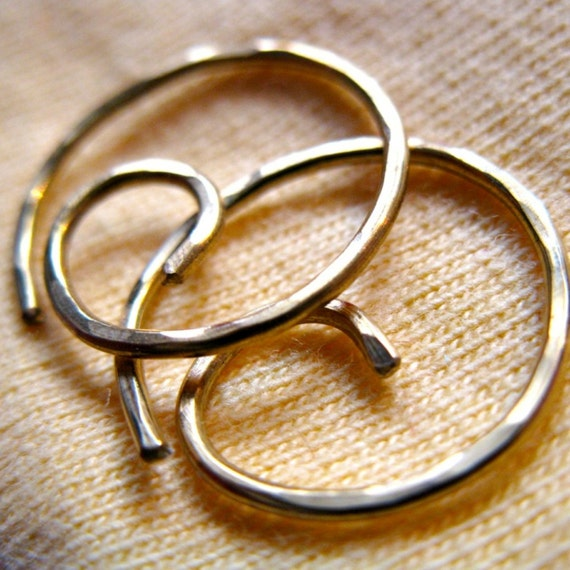 Small hoops. THINI. Small Swirl Hoop Earrings with hammered surface in 20 gauge solid brass wire