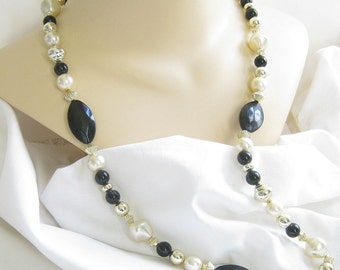 Vintage Single Strand Black, White and Gold and Silver Tone, Lucite Beaded Necklace