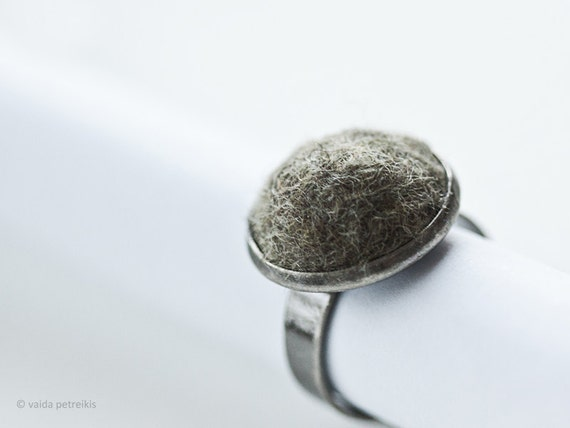 Minimalist ring Handmade felt ring Modern ring Unisex ring Sage grey ring Gunmetal ring All sizes Simple Christmas in July Gift under 25 USD