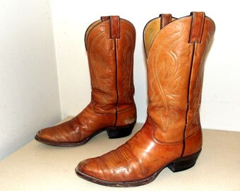 Justin brand cowboy boots -  light caramel tan color size 11 D