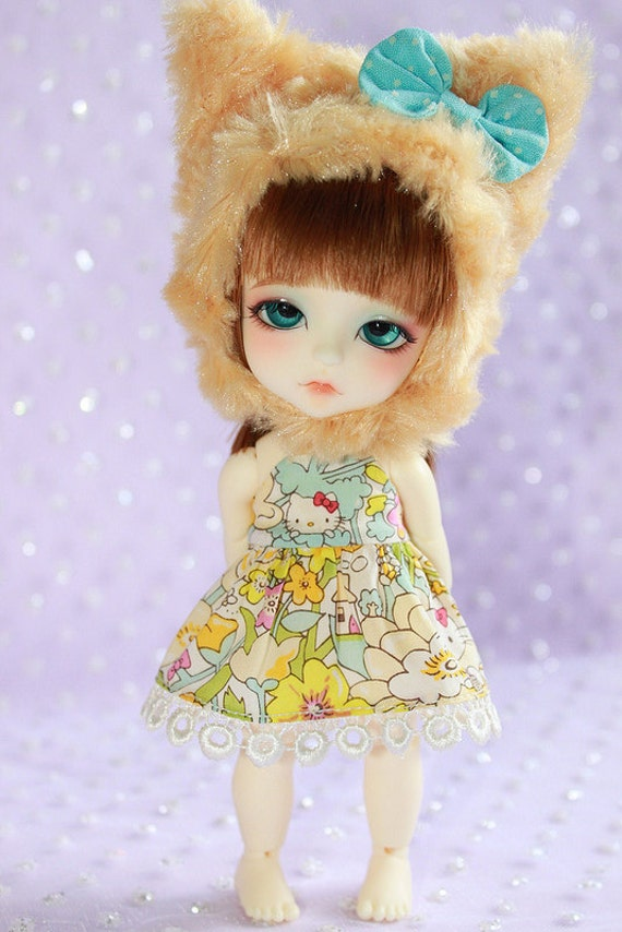 LATI Yellow PukiFee - Hello Kitty Series - Flowery Fields Forever - Aqua Lime Dress, Camel Kitty Hat SET