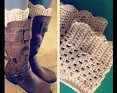 Crochet scallop edge boot cuffs Ivory
