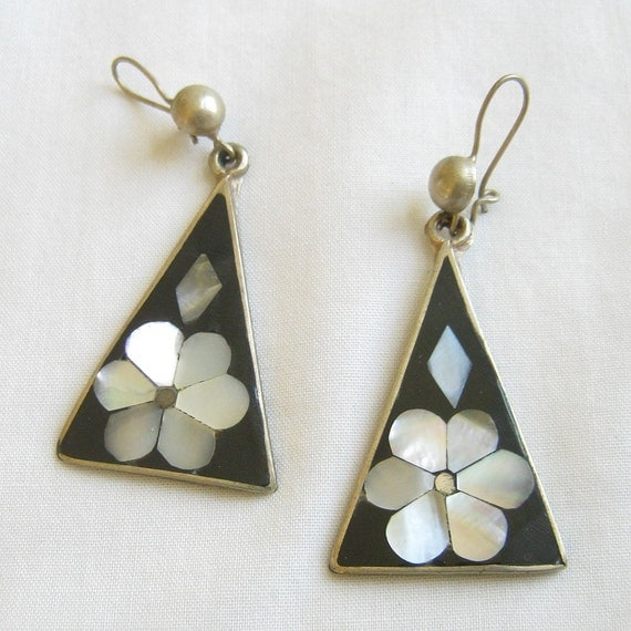 Vintage Mexico Silver Onyx and Mother of Pearl or Abalone Dangle Earrings