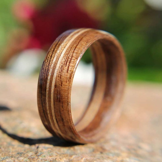 Men's Bentwood Ring Walnut with Double Maple Inlays