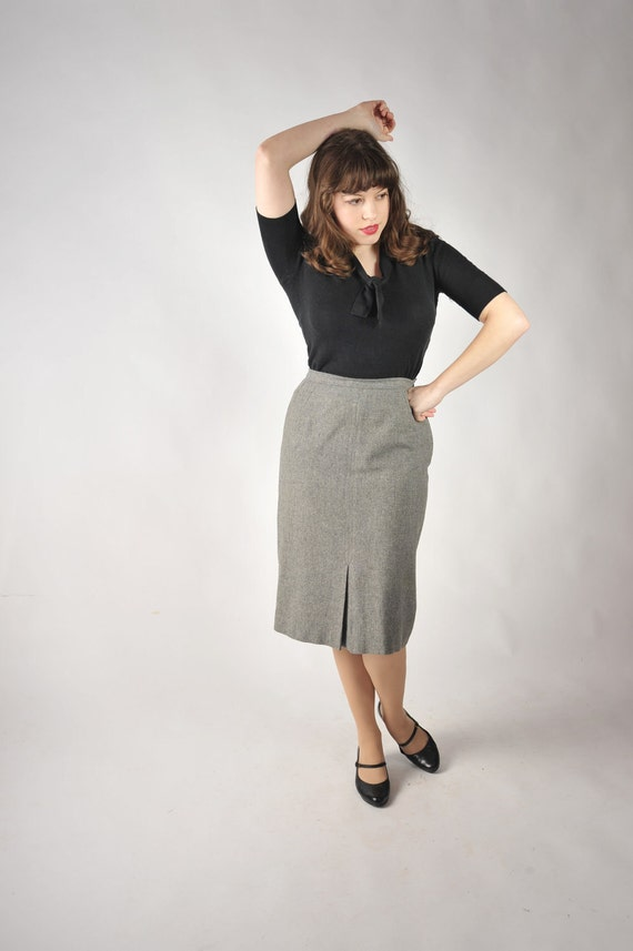 Vintage 1950s Skirt // Late 50s Classic Gray Basic Wool Wiggle Skirt