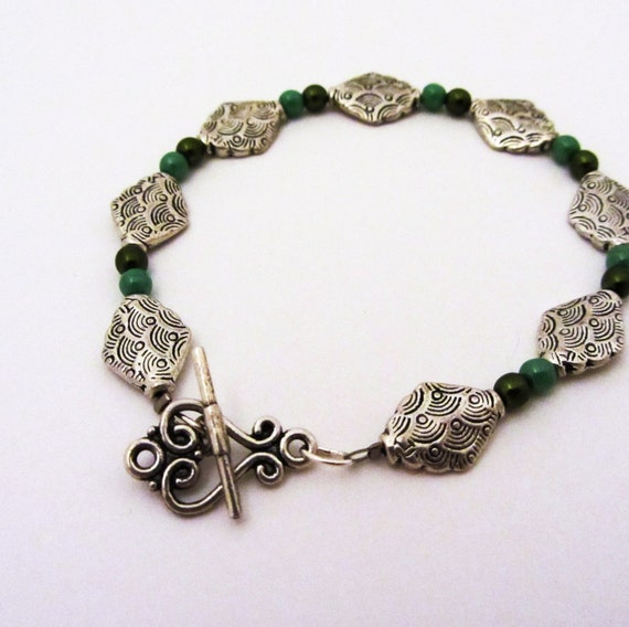 PEAS AND OLIVES Bracelet with Green Czech Glass Beads, lead free tibetan silver, and convenient clasp