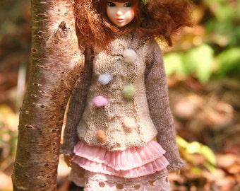 jiajiadoll-hand knitting-cream colored pompom twist sweater fits Momoko misaki OR Blythe