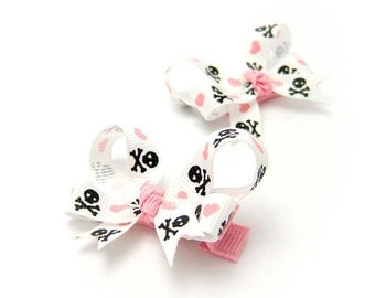 Pirate Baby Bows, Jolly Roger Bows, Skull and Heart Bows, Pirate Boutique Bows, Newborn Baby, Toddler Girl, Pigtail Set Sister Set Twins Set