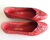 size 8 Vtg Red woven leather shoes