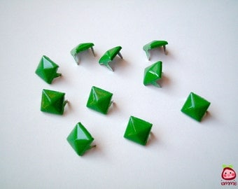 Green Square Studs, Leather Craft Studs, set of 10, pin, button, bead, silver, jaws, fang, rock, punk, metal, aluminium, iammie