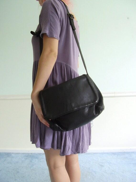 Black Leather FRYE Foldover Shoulder Bag Purse Vintage 80s Designer