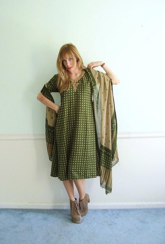 Green Ethnic Print Boho Dress and Sheer Scarf Shawl Vintage 70s 80s Small S Medium M