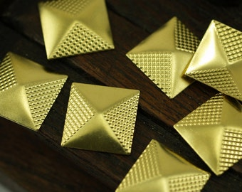 30 Raw Brass Square Pyramid Textured Tribal Findings , No Hole (13 Mm) Brs 572 - 0 ( A0031 )