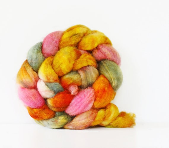 BFL Superwash Roving-Zinnia 4 oz-Handpainted Top/Roving for Spinning or Crafting