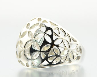 Flower Cutout Dome Ring