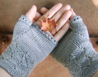 Ishbel & Elena Mitts - Free Knitting Pattern - Digital PDF or PRINT