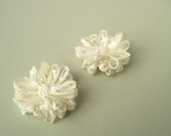 Ribbon Flower Appliques in Ivory, 2 inch
