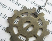 Timelord Trinkets - Brass Spindle Gear Pendant
