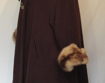 Gorgeous 50's Vintage Brown Wool Coat Scarf Collar Lucite Rhinestone Buttons B50