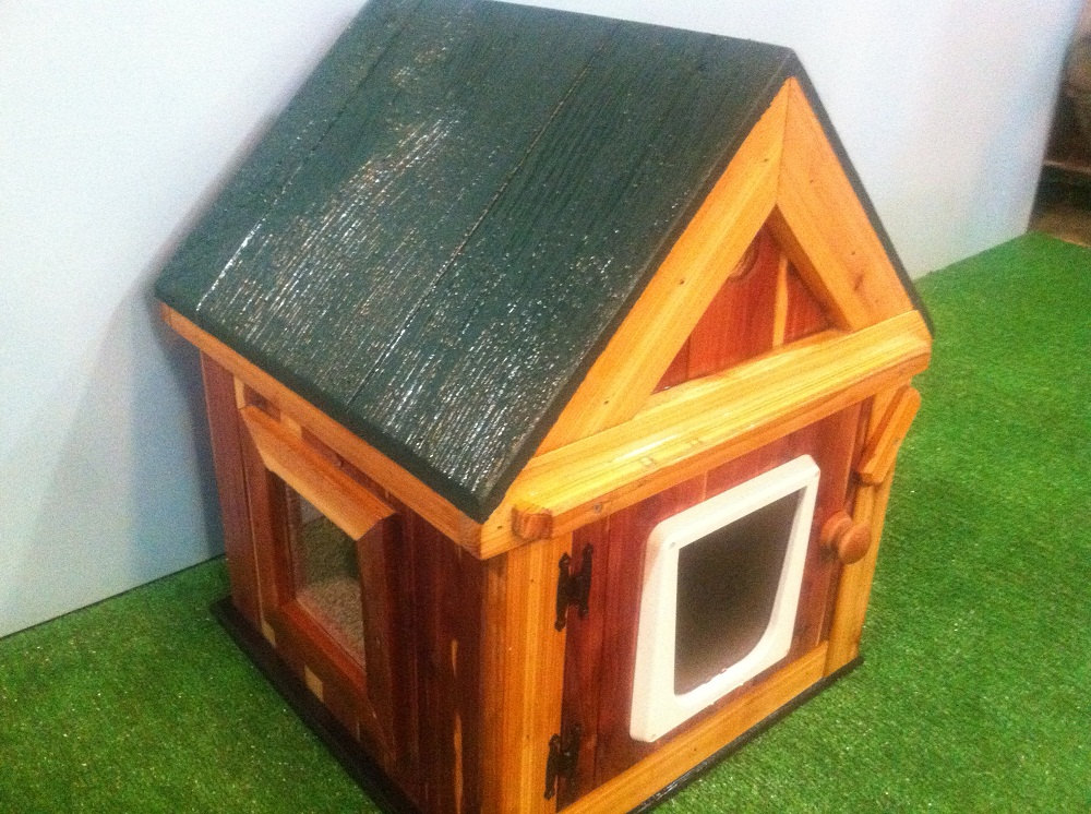 Heated Outdoor Cat House Outdoor heated cedar cat house