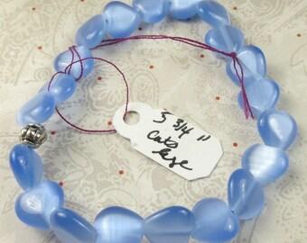 Blue Cats Eye heart bracelet on stretch cord, stretchy cord bracelet in blue