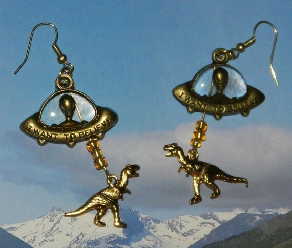 Alien Abduction of Dinosaur Earrings, UFO Extraterrestrial Flying Saucer