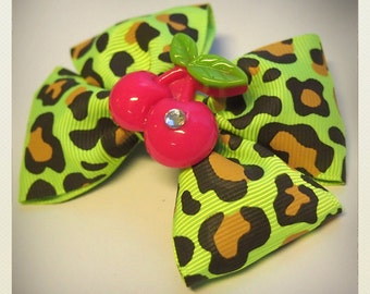 Old School Pin Up-style cherry Hair clip, green panther