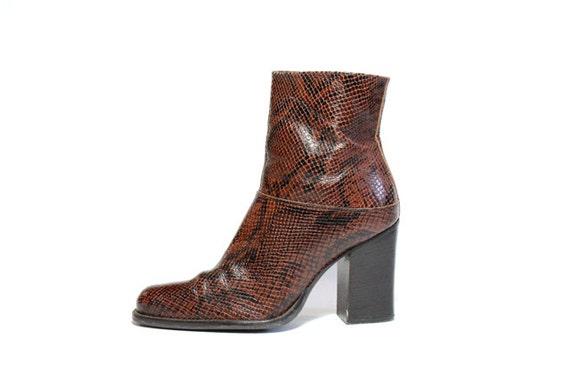 VTG Minimal Chunk Heel Snake Skin Ankle Boots 7.5