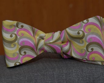 Pink and Green Playful Curls  Bow tie