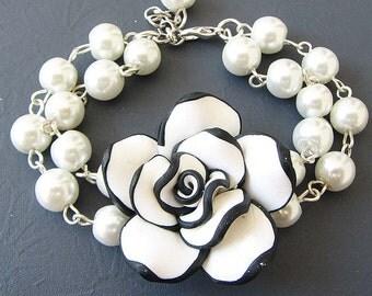 Bridesmaid Jewelry Flower Bracelet Wedding Jewelry Black and White Jewelry Beaded Bracelet