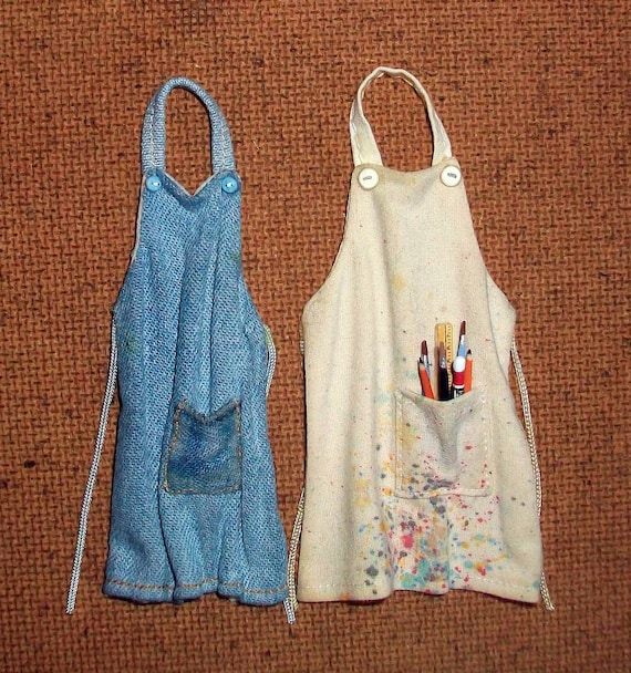 Pair of Miniature Aprons (1 inch dollhouse scale)