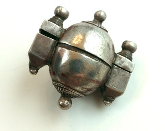 Amazing 100 year old silver lingam stone holder from India