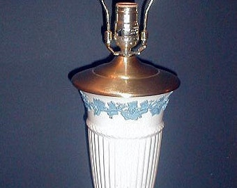 Vintage Wedgwood QUEENSWARE  Blue Grape Vine  Table Lamp  1950s Traditional  Elegance  In  Working Condition