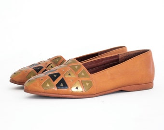 Aztec Triangle Woven Earth Tone Almond Toe Loafers 6.5. Olive Gold & Black On Caramel Leather.