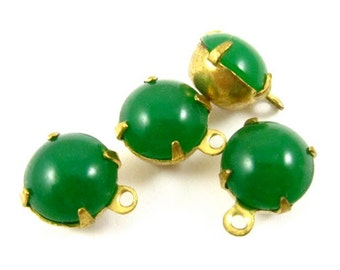 6 - Vintage Round Glass Stones in 1 Ring Closed Back Brass Prong Setting - Emerald - 8mm