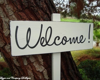 DiReCTioNaL WeDDiNg SiGn - Welcome Sign - Modern Style Lettering - Custom Wedding Arrow Signs - Rustic Wedding Sign - 4ft Stake