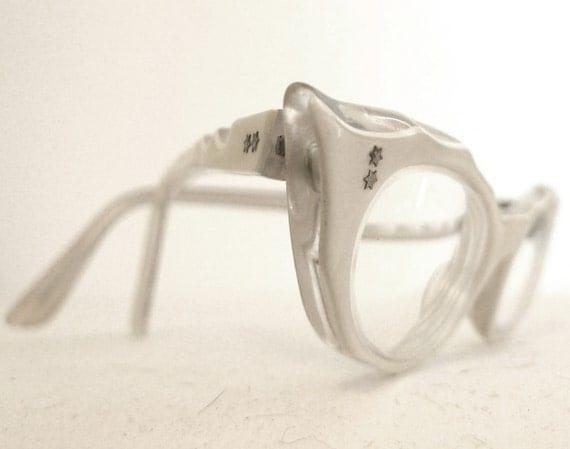 Vintage Pearl Eyeglasses /White Carved Cat Eye Sunglasses // Winged Frame France Raybert Pearl Horn Rimmed Cat Eye Eyeglass Sun Glasses