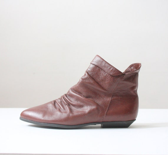 vintage leather ankle boots - size 9 1/2