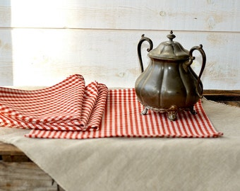 Cotton napkins RED Gingham Table Napkins set of 4  /xmas gift/ Rustic picnic napkins / wedding gift  / retro napkins / French Country