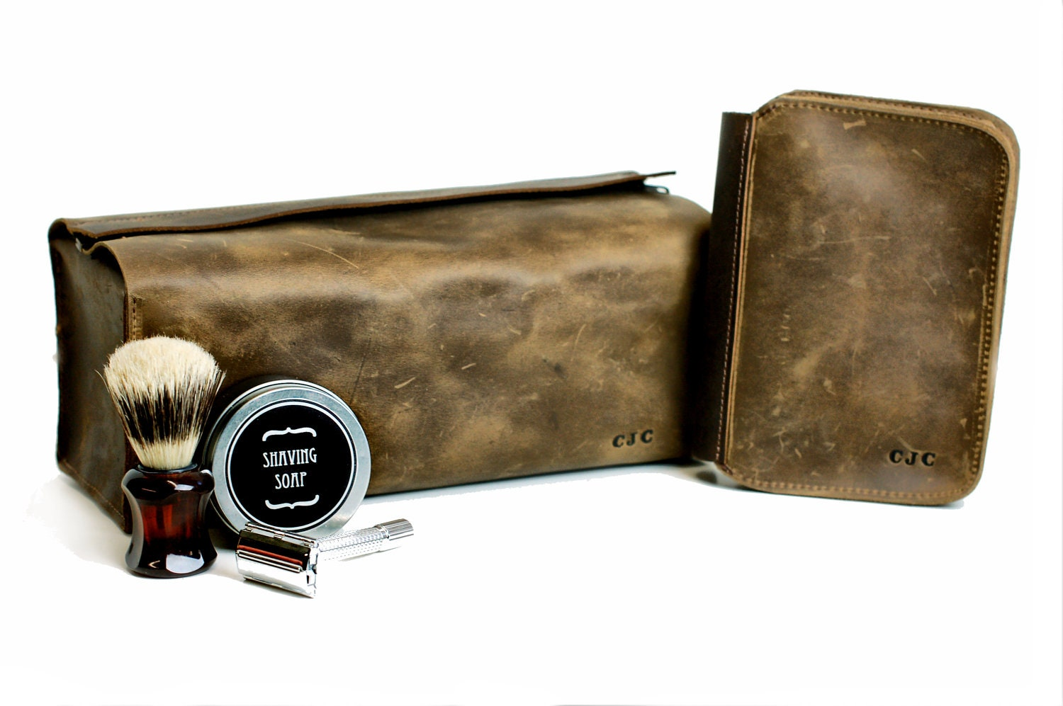 zoom. Men s Gift Set Leather Toiletry Bag and Shaving Kit