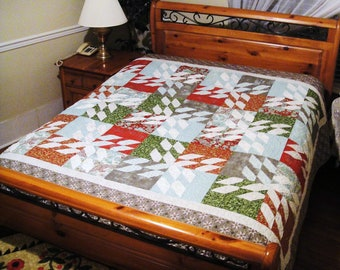 Festive Flurries Holiday Christmas Seasonal Bed Quilt in Blitzen fabric  Basic Grey for Moda