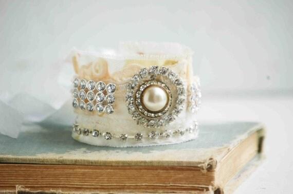 Vintage Lace Fabric Cuff BRACELET Wedding White Cream Lace Rhinestone ROMANTIC Bride